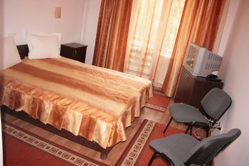 Cazare Lacu Rosu - Hotel Turist