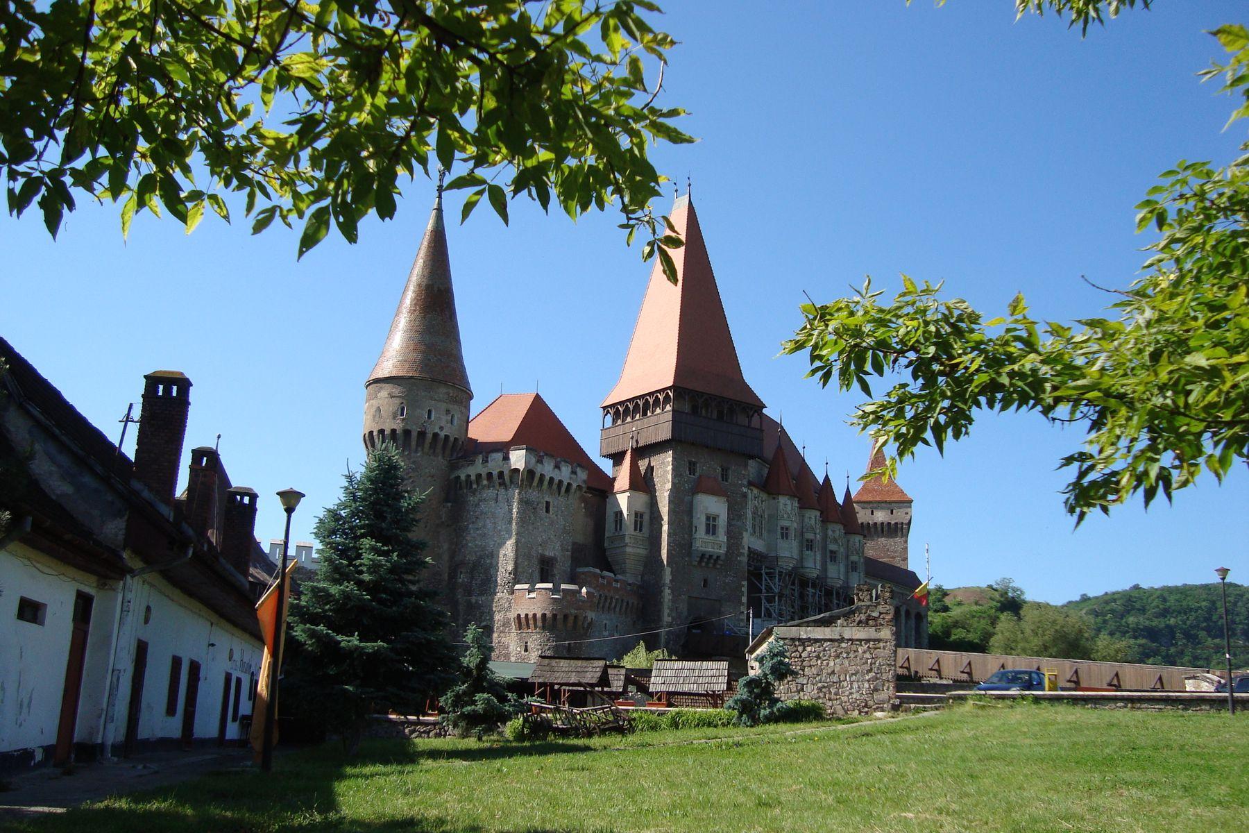 Transilvania | Castelul Corvinilor, numit și Castelul Huniazilor sau al Hunedoarei