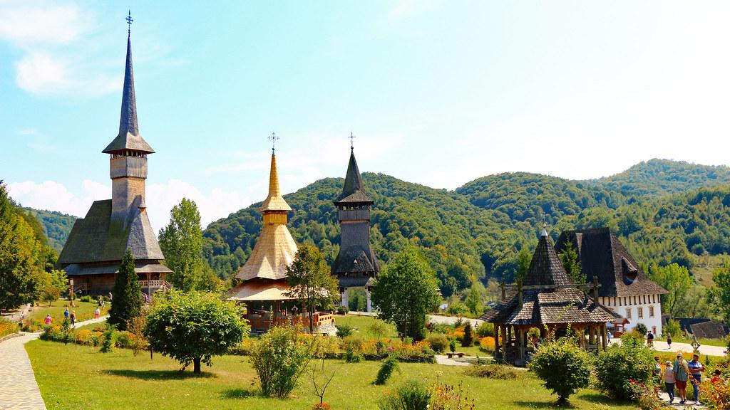 Maramures | Manastirea Barsana - Biserici din lemn