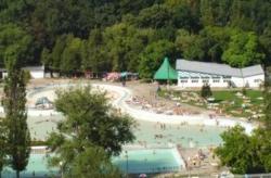 Turizmus Püspökfürdő - Május 1 Fürdő Szállás