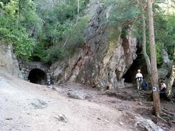 Turizmus Torjai büdös barlangSzállás