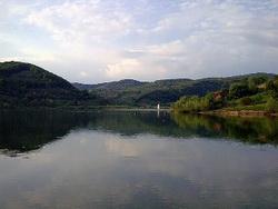 Prezentáció képekben: leírás, szállások, csomagajánlatok, programok, térkép, látványosságok Bözödi tó Szállás