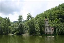 Prezentáció képekben: leírás, szállások, csomagajánlatok, programok, térkép, látványosságok Csolnakosi tó  Szállás
