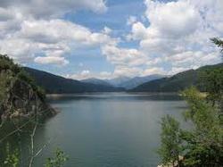 Prezentáció képekben: leírás, szállások, csomagajánlatok, programok, térkép, látványosságokVidraru tó Szállás