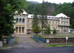 Prezentare in imagini: descriere, poze, harta, cazare, atractii–drumetii Slanic Moldova Cazare