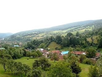 Prezentare in imagini: descriere, poze, harta, cazare, atractii–drumetii Biserici de lemn din Maramures Cazare